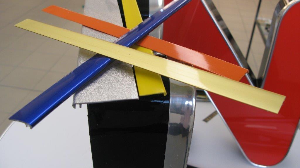 Profili per Insegne Pubblicitarie - Sign trims and Channel letters
