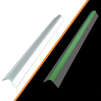 Profilo e bordo paraspigolo angolare fotoluminescente per pareti