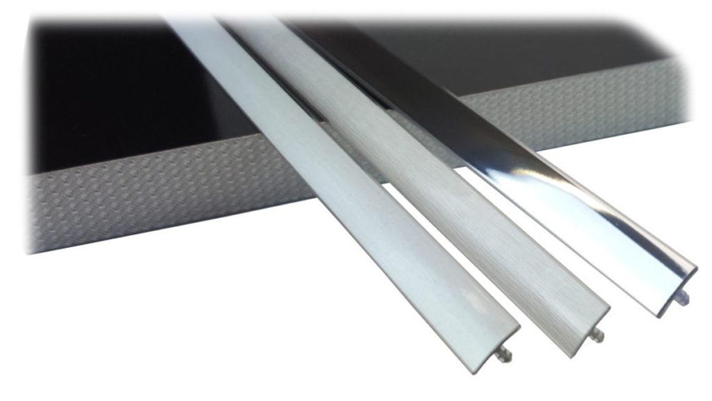 Profili e listelli ad incastro con finitura metallica